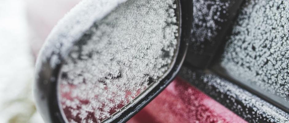 neige sur auto - grattoirs personnalisés